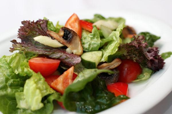 salat-provans-s-gribami